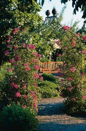 viktorianischer rosenbogen kiftsgate viktorianische. Black Bedroom Furniture Sets. Home Design Ideas